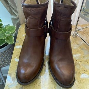 Leather brown boots size 7